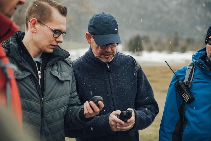 Der ständige Austausch von Informationen zwischen den Gruppen ist bei der GPS-Team-Challenge essenziell.
